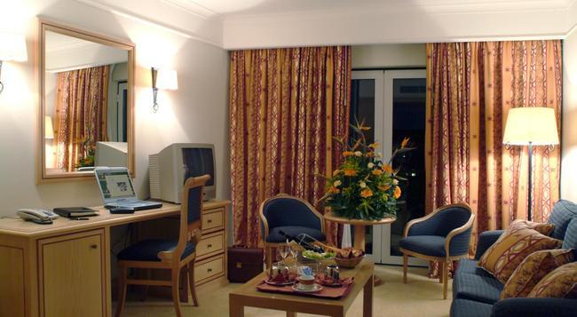 Hotel Real Palacio - 里斯本 - 臥室