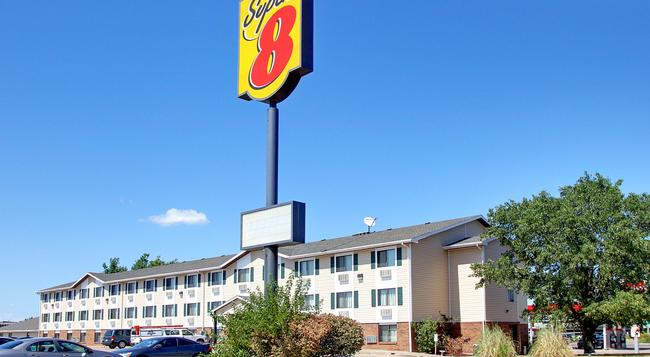 Super 8 Manhattan KS - 曼哈頓 - 建築