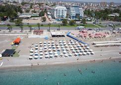 臨海家庭度假酒店 - 安塔利亞 - 海灘