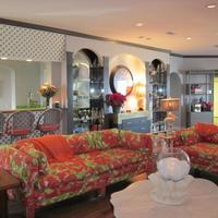 Gaido's Seaside Inn Living Room