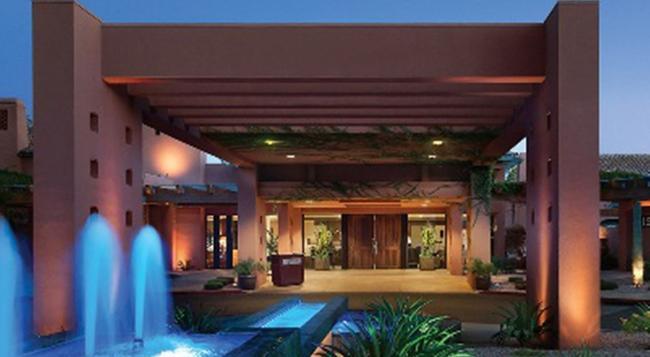 Holiday Inn Club Vacations Scottsdale Resort - 斯科茨 - 建築