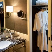 Chamberlain West Hollywood Bathroom