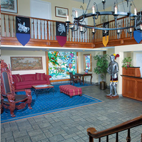 Castle Inn and Suites Lobby
