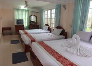 暹粒河畔酒店