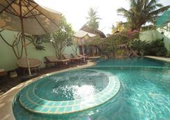 暹粒河畔酒店 - 暹粒 - 游泳池