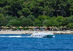 瓦拉馬爾里維埃拉酒店 - Poreč - 海灘