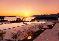 瓦拉馬爾阿戈西酒店 - 杜布羅夫尼克 - 游泳池
