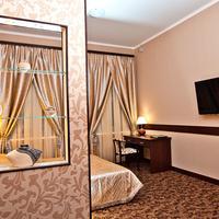 Classic Hotel Guestroom