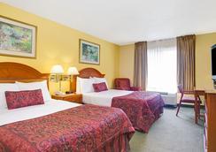 奧蘭多I大道會議中心華美達旅館 - 奧蘭多 - 臥室