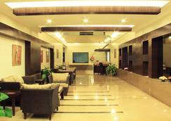 CRN金絲雀藍寶石酒店 - 班加羅爾 - 大廳