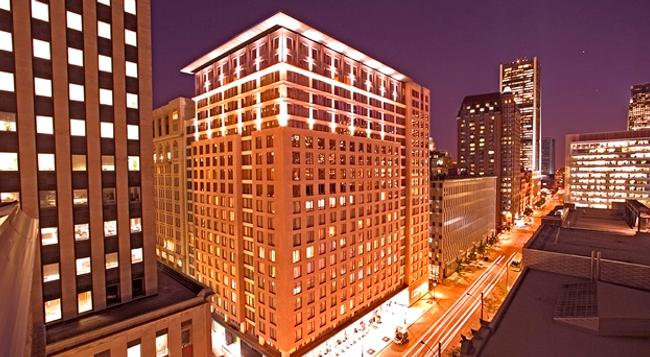 Embassy Suites by Hilton Montreal - Montreal - 建築