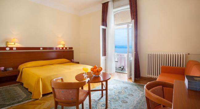 Smart Selection Hotel Belvedere - 奧帕提亞 - 臥室