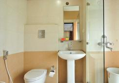 Fabhotel Majestica Inn Hitech City - 海得拉巴 - 浴室