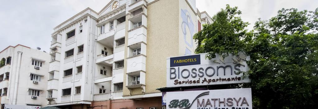 FabHotel Blossom T Nagar - 清奈 - 建築