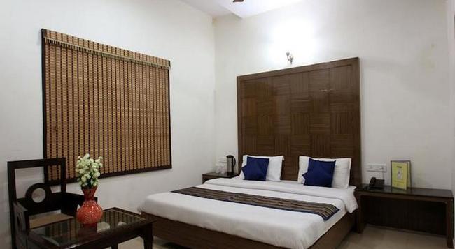 Fabhotel Mohan International Paharganj - 新德里 - 臥室
