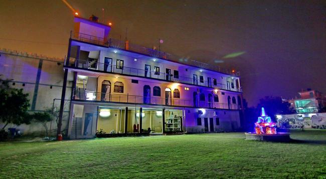 Hotel Mangalam Palace - 勒克瑙 - 建築