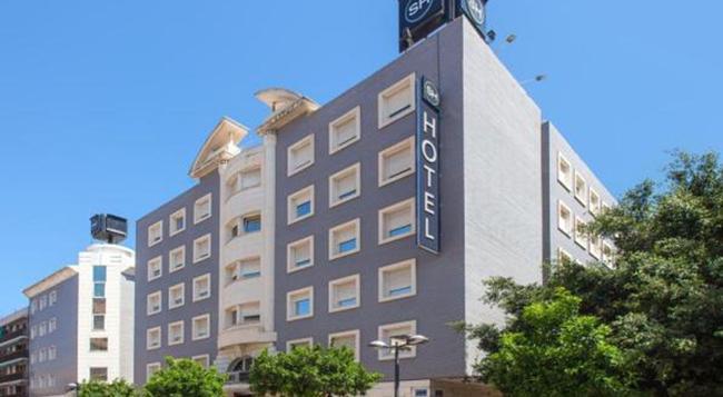Hotel Malcom and Barret - 瓦倫西亞 - 建築