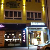 Basic Hotel Innsbruck Hotel Front - Evening/Night