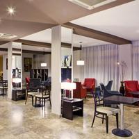 Hotel Puerta de Toledo Lobby Sitting Area
