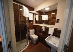 樂威利酒店 - 曼徹斯特 - 浴室