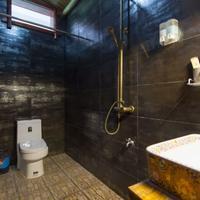 Yangshuo Scenic Mountain Retreat Bathroom