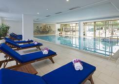 新巴達旅館 - Hammamet - 游泳池