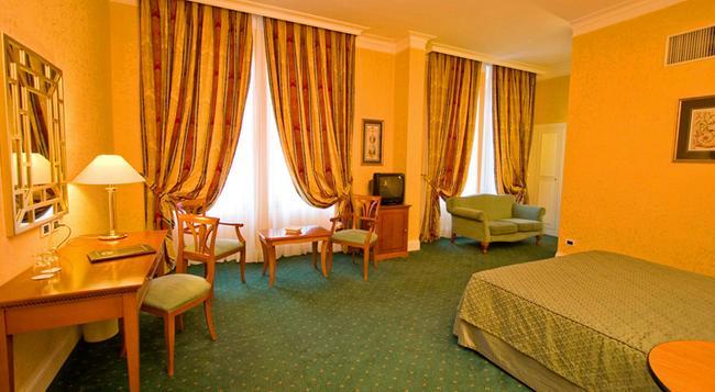 Ateneo Garden Palace - 羅馬 - 臥室