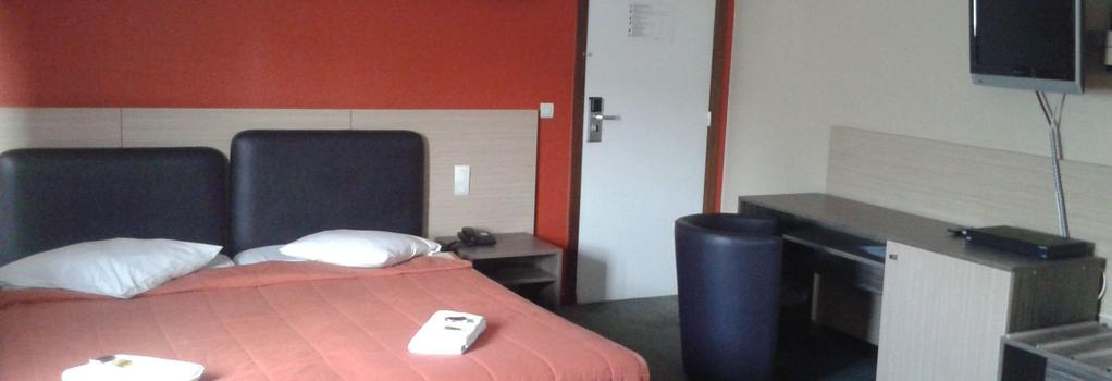 Ares Budget Hotel - 布魯塞爾 - 臥室
