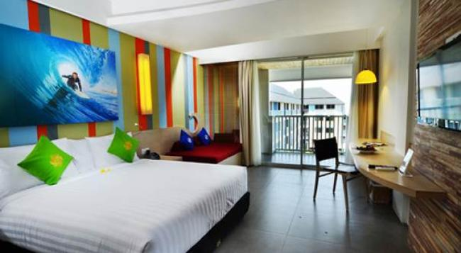 Bliss Surfer Hotel - 勒吉安 - 臥室