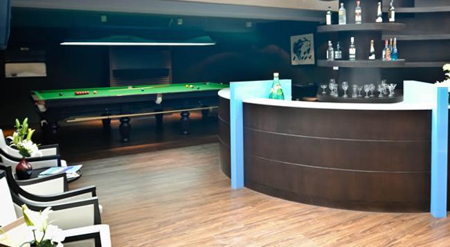 S15 Sukhumvit Hotel - 曼谷 - 酒吧