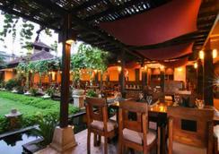庫塔卡納酒店 - 庫塔 - 餐廳
