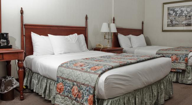 Travelodge Hotel Niagara Falls Fallsview - 尼亞加拉瀑布 - 臥室