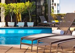 圣保罗文艺复兴万丽酒店 - 聖保羅 - 游泳池