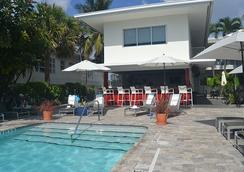 皇家棕櫚度假酒店及水療中心 - 勞德代爾堡 - 游泳池