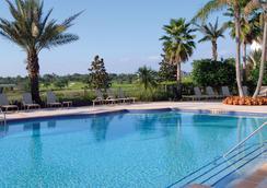 留尼旺岛萨拉曼德高尔夫Spa度假酒店 - 基西米 - 游泳池