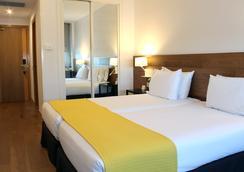 拉斐爾阿托查酒店 - 馬德里 - 臥室