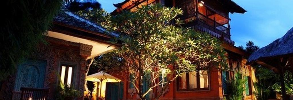 Sunhouse Guesthouse - 登巴薩 - 游泳池
