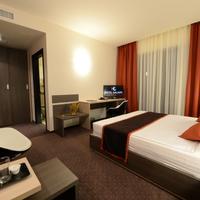Hotel Galaxy Guestroom