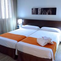 Hotel Rekord Guestroom