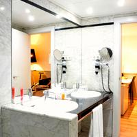 Hotel Rekord Bathroom