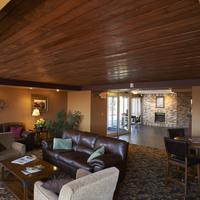 Dakotah Lodge Lobby Sitting Area