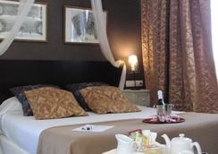 Hotel Bellas Artes - 赫雷斯-德拉弗龍特拉 - 臥室