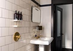 紐約王牌酒店 - 紐約 - 浴室
