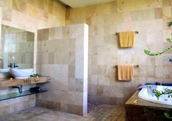 巴厘神秘酒店公寓 - 庫塔 - 浴室