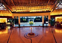 韋迪克村Spa度假酒店 - 加爾各答 - 大廳