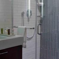 The Tuscany - A St Giles Signature Hotel Bathroom