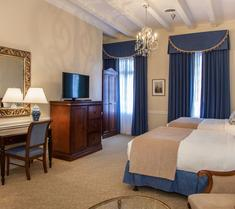 Hotel St. Pierre, A French Quarter Inns Hotel