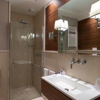 Lungomare Hotel bathroom