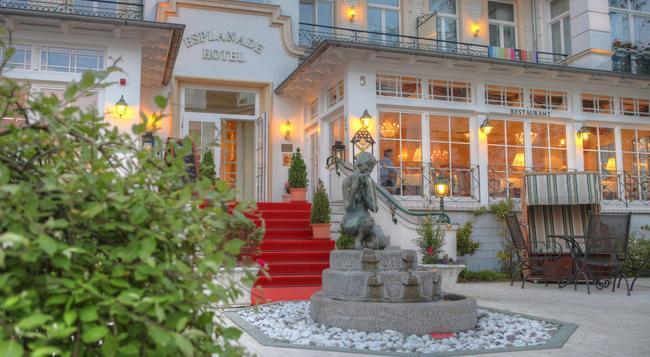 Seetelhotel Hotel Esplanade - 塞巴特黑靈斯多夫 - 建築