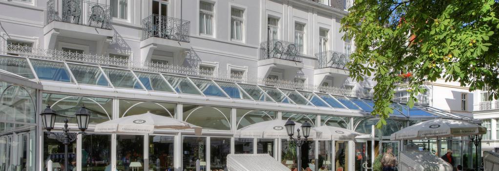 Seetelhotel Pommerscher Hof - 塞巴特黑靈斯多夫 - 建築